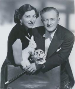 Nivelli, dopo la guerra, con la seconda moglie Lottie, che divenne anche sua partner in scena.
