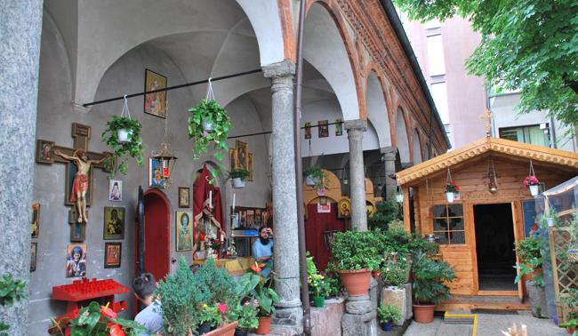 Le ultime arcate sopravvissute a Milano del Lazzaretto: ora ospitano la chiesa ortodossa di San Nicola.