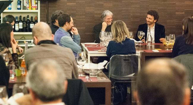 Una cena un paio d'anni fa con gli amici di Calibro Noir (foto: Roberta Baria).