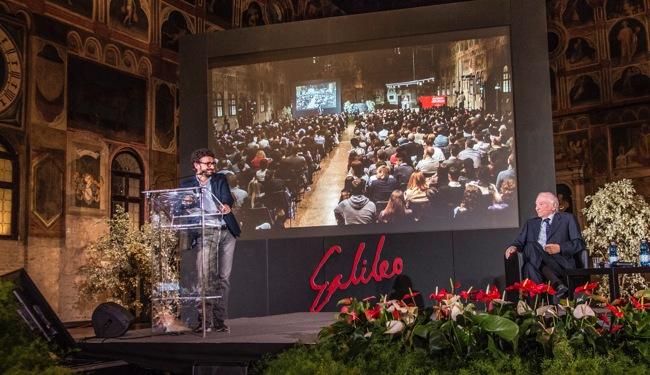 Massimo Polidoro e Piero Angela al premio Galileo nel 2016 (foto: Roberta Baria)